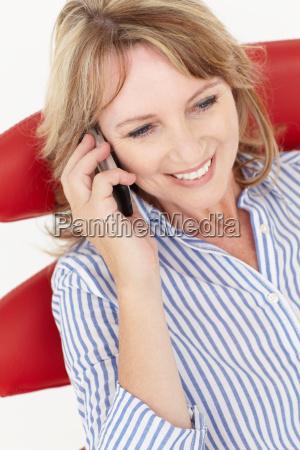 kvinde samtale telefon snak talt tale
