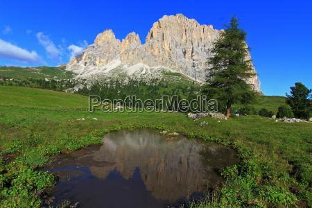 mountains dolomites alps mountain scenery countryside