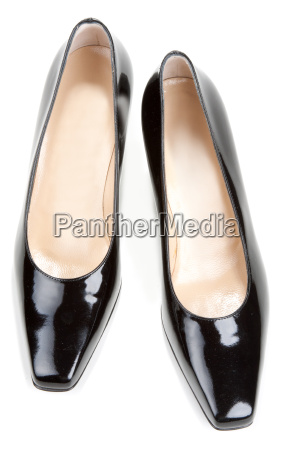 black feminine varnished loafers