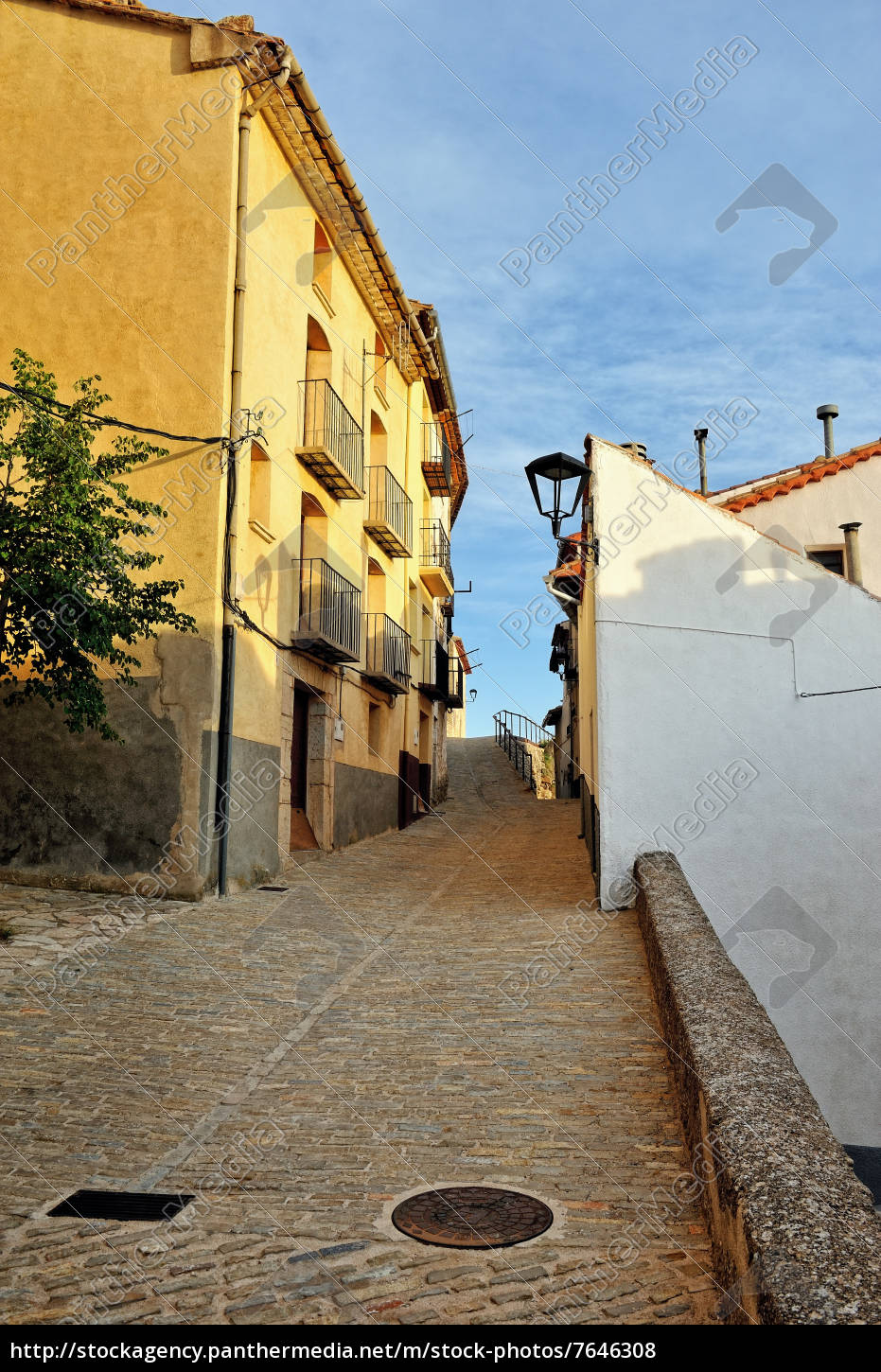 Streets Of The Small Old Spanish Town Ares Royalty Free Photo 7646308 Panthermedia Stock Agency The mexico spanish version would be. https stockagency panthermedia net m stock photos 7646308 streets of the small old spanish