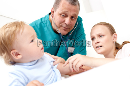doctor listen the baby with stethoscope