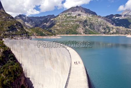 arch dam of lac demosson