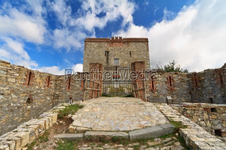 puin fortress genova italy