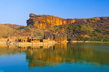bhutanatha group temple reservoir cliff badami