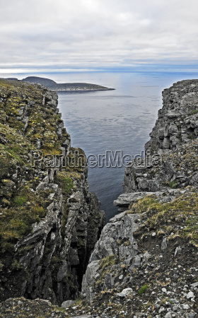 looking to the headland knivskjellodden at
