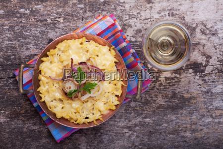bavarian spaetzle with cheese