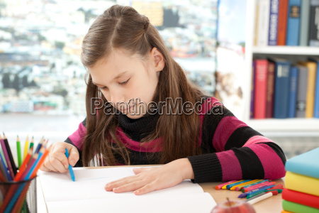 girl paints a picture