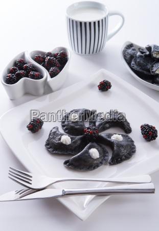 sweeten pierogi with blackberries b