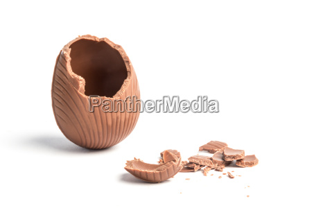 broken, chocolate, easter, egg, on, white - 8834354