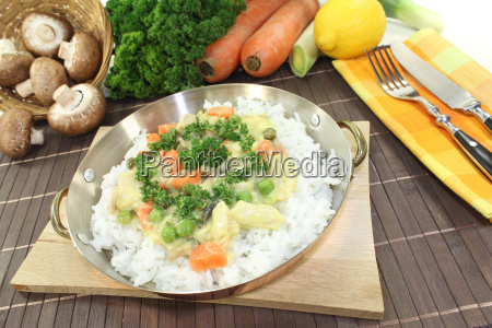 chicken fricassee with rice and vegetables