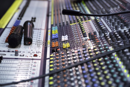 view on sound mixer with regulation