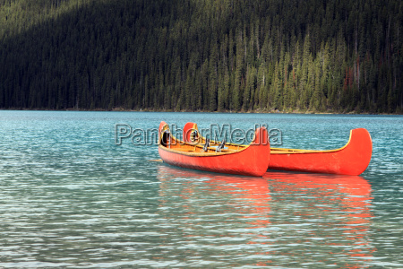 canoes in lake louise canada