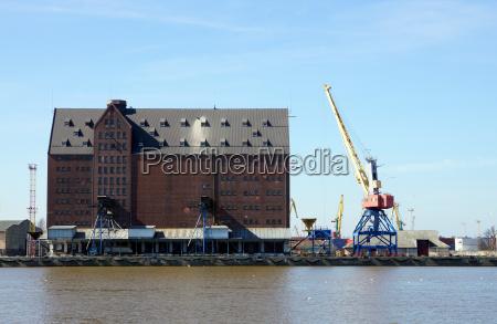 granary shipping port