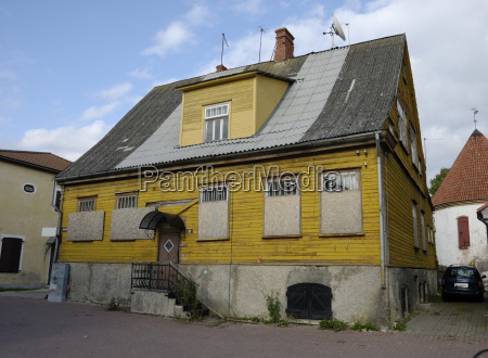 old house in paernu