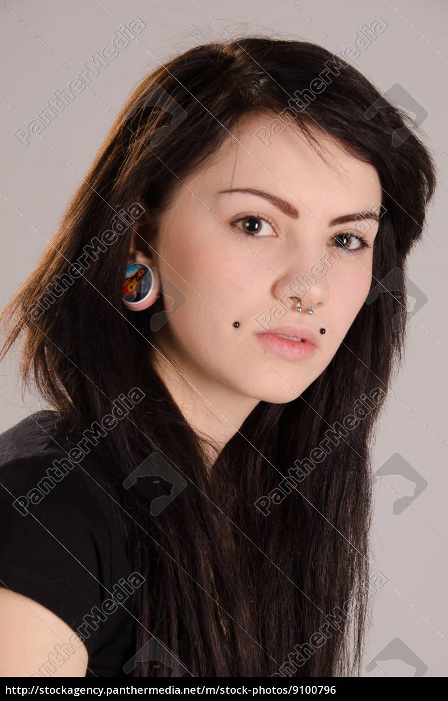 young, girl - 9100796