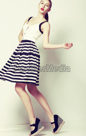 feminine 60s fashion style pretty stylish
