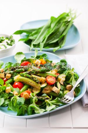 salad with green asparagus