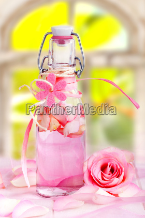 rose oil for aromas therapy