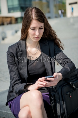 problems business woman reading message