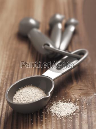 yeast granules