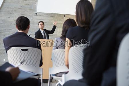 kvinde mennesker folk personer mand seminar