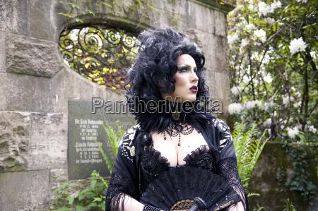 model pose belladonna on the