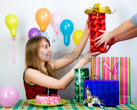 birthday the girl accepts gifts