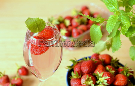 strawberries with champagne
