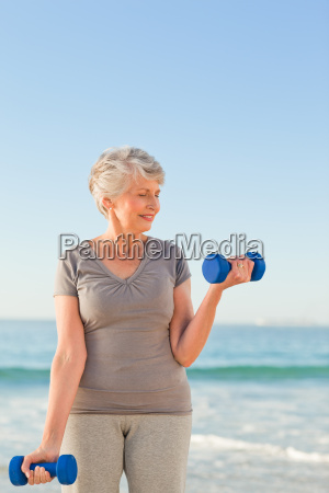 woman doing her exercises at the