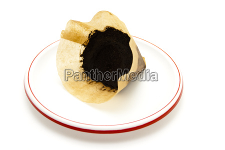 old coffee filters to plastic plates