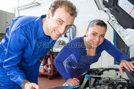 automotive mechatronics repair a car