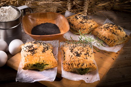 puff pastry with spinach filling and