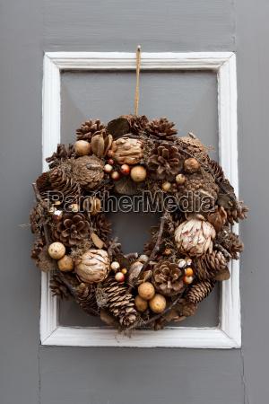 front door with seasonal jewelry