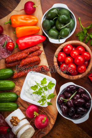 antipasto platter wit raw snack