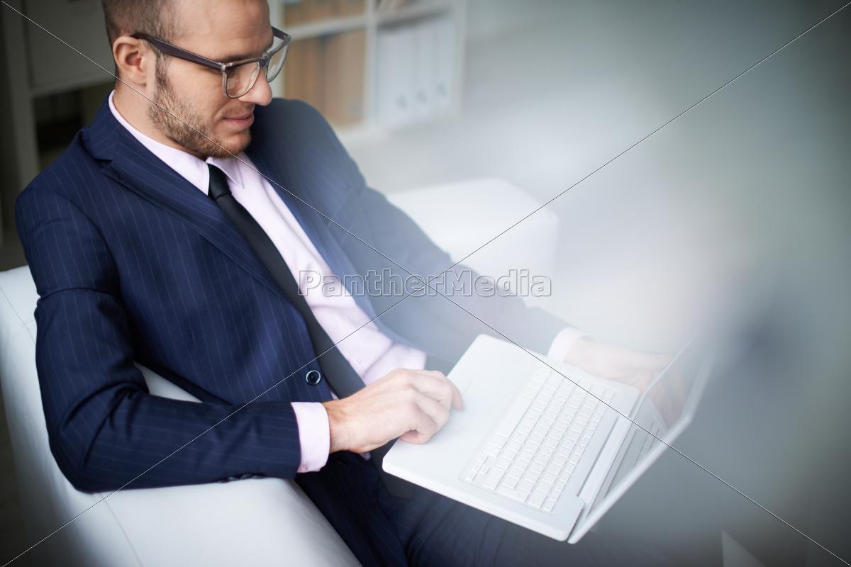 businessman, typing - 10039340