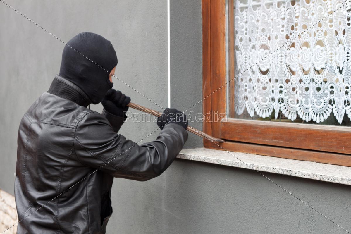 burglar, with, crowbar - 10044490