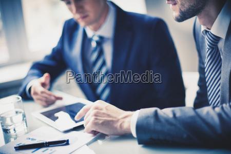 men, working, in, office - 10081540
