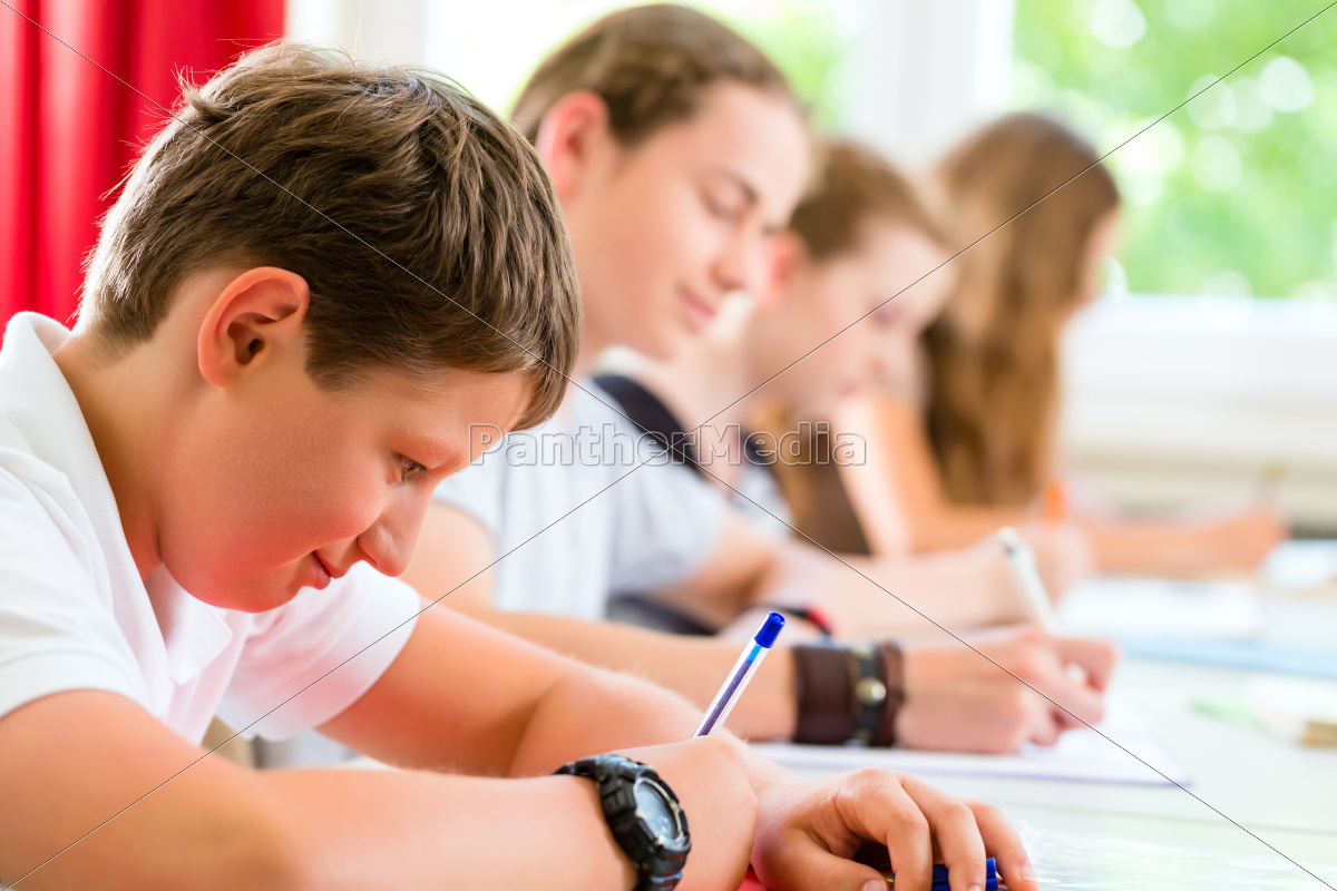 students, write, a, class, test, or - 10102140
