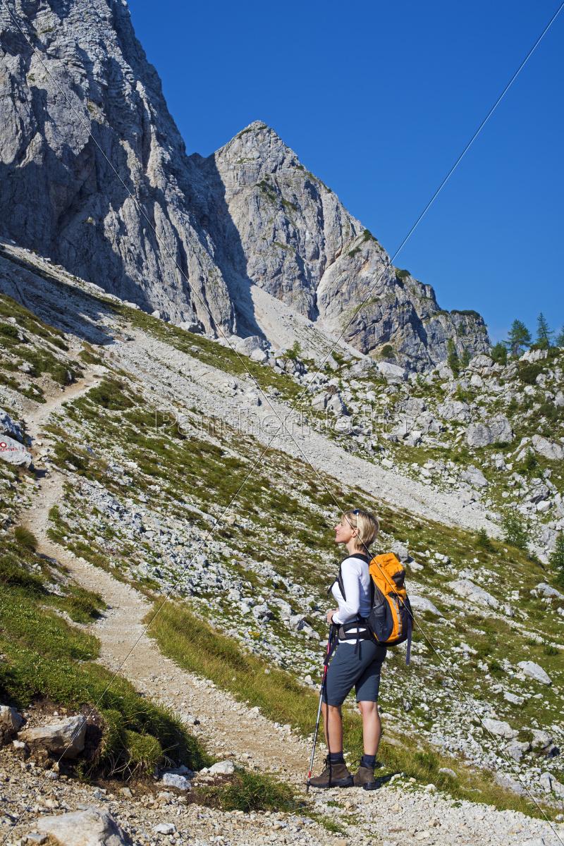 hiking - 10104601
