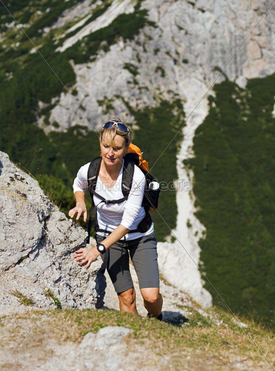 hiking - 10104609