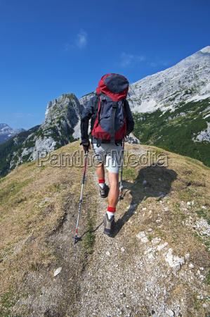 hiking - 10104627