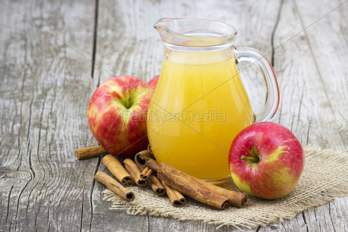 apple, juice, and, apples, on, wooden - 10156515