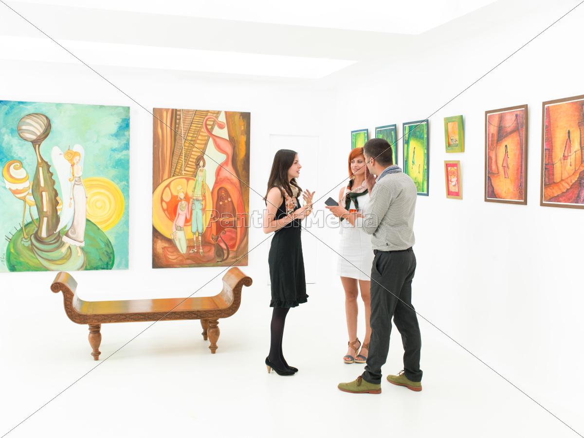 artist, being, interviewed - 10186295