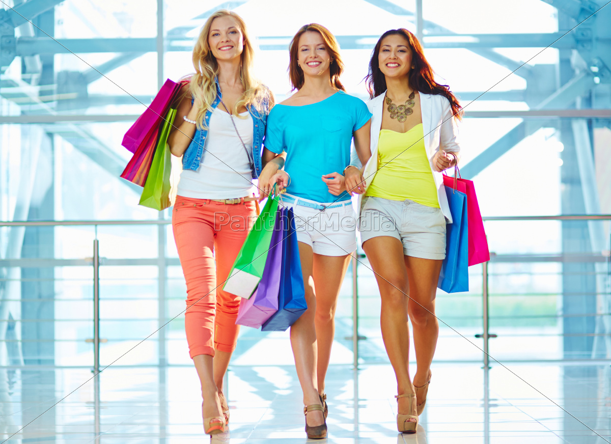glamorous, consumers - 10216749