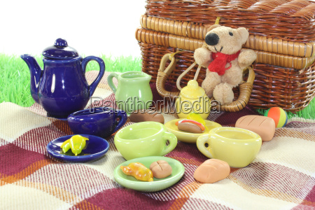 picnic with basket
