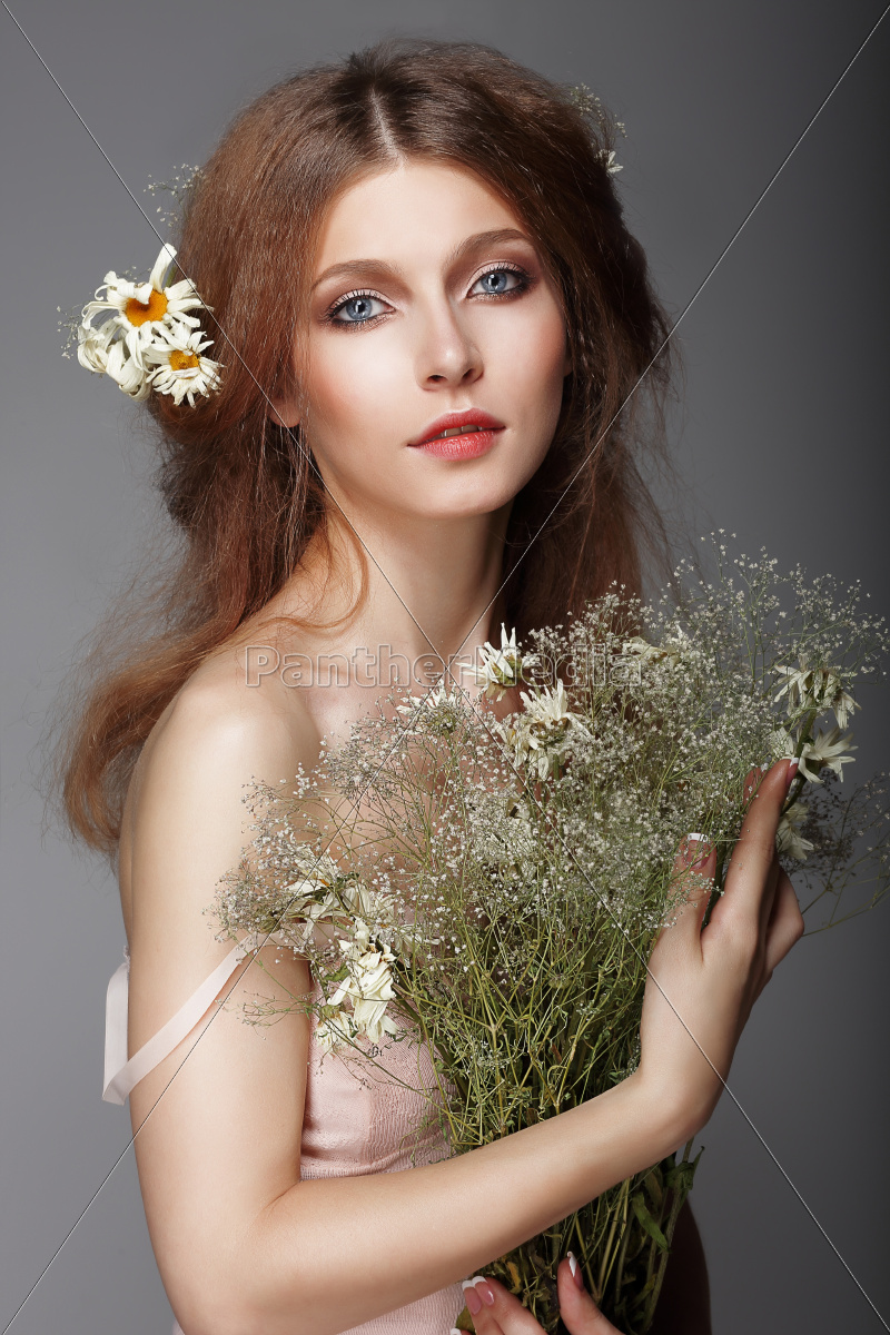 sentiment., portrait, of, redhair, nostalgic, woman - 10276937