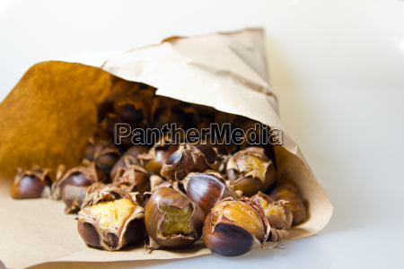 chestnuts, at, christmas, time - 10295557