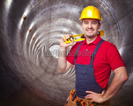 man, in, tunnel - 10299381