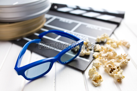 3d, glasses, with, clapperboard, and, popcorn - 10305361