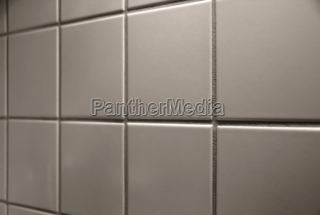 wall tiles in a kitchen